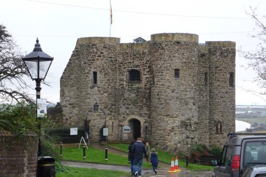 Rye Castle Museum: Ingang van het kasteel.