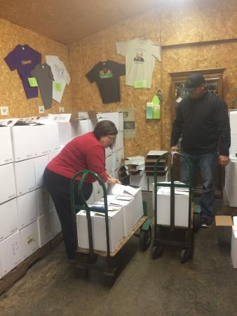 Old South Winery: Loading up our order