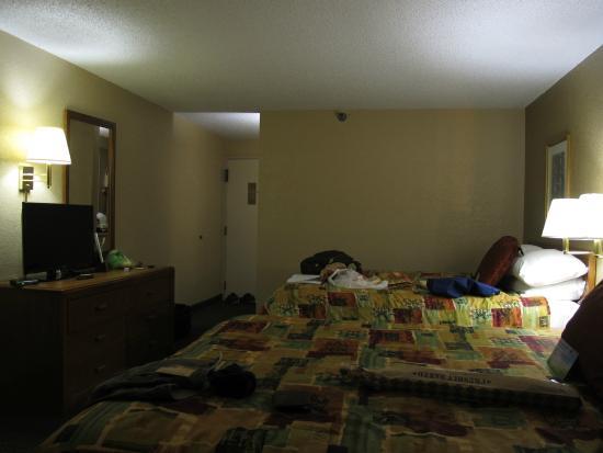 Days Hotel Boulder: the bedroom