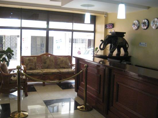 Sunrise Hotel: Lobby
