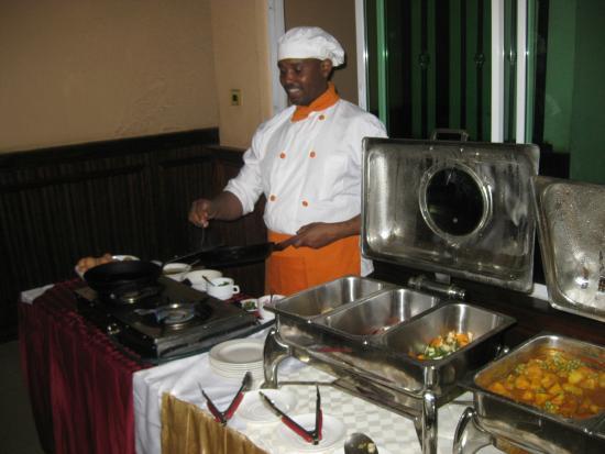 Sunrise Hotel: cook to order breakfast