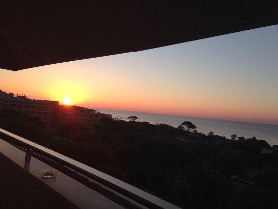 Море раннее утро