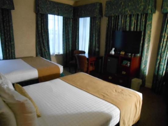 BEST WESTERN PLUS Seaport Inn Downtown: Zimmer mit 2 Queensize Betten