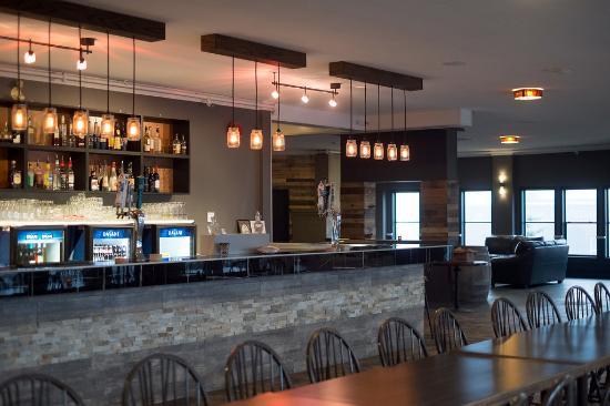 Vance Creek Hotel & Conference Centre: 1609 Restaurant