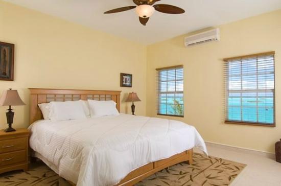 Breezy Palms Villa: Master Bedroom w/ King Bed