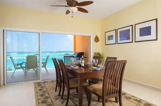 Breezy Palms Villa: Dining Room
