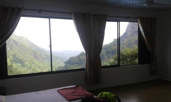 Ella's Edge Resort: The view!