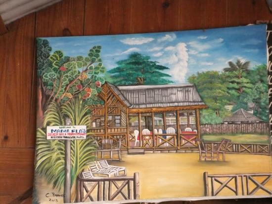 Hidden Paradise Resort Hotel: Local art @ Mama Flo's Beach Bar