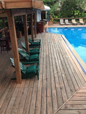 Best Western Belize Biltmore Plaza: Poolside