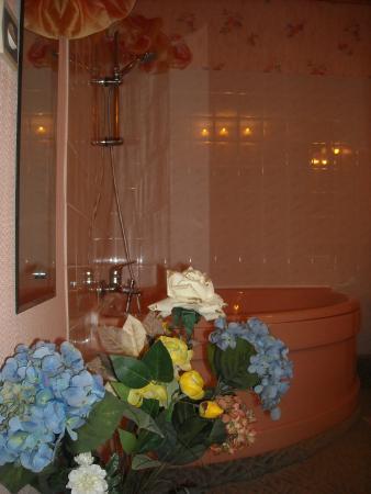 la salle de bain de la chambre jaune picture of les perrettes cartigny l 39 epinay tripadvisor