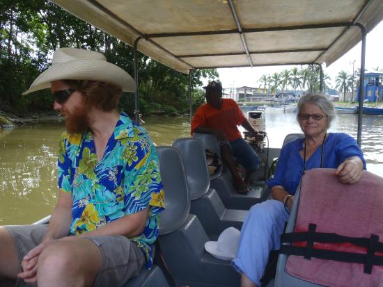 Tortuguero Wildlife Tour: A good boat with plenty of space