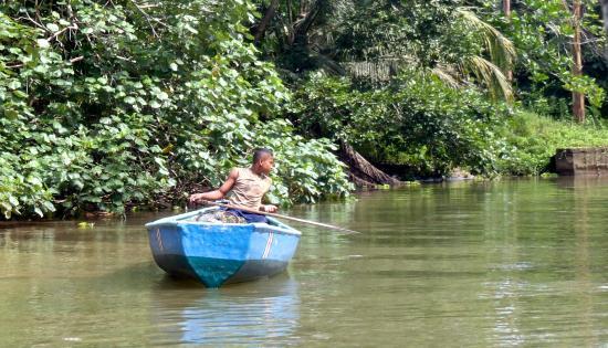 Tortuguero Wildlife Tour: Local boy Fishing