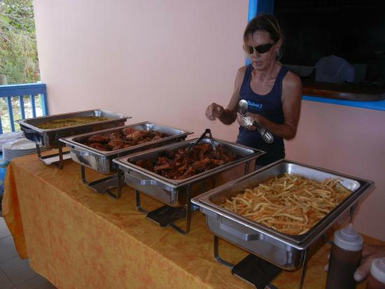 Simpson Bay, Saint-Martin / Sint Maarten: Ingrid does it all even serves lunch at Tropical Sunset