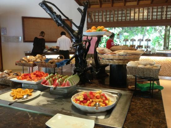Vakarufalhi Island Resort : buffet