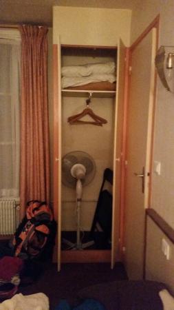 Royal Phare Hotel : closet