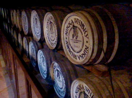 Nikka Whisky Sendai Factory Miyagikyo Distillery: 樽の年季がいい味