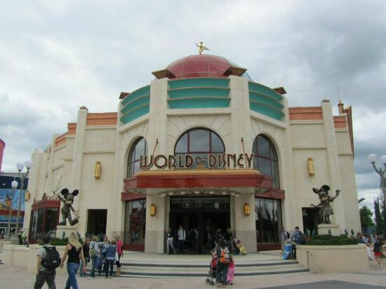 Magasin a faire absolument picture of disney village - Marne la vallee magasin ...