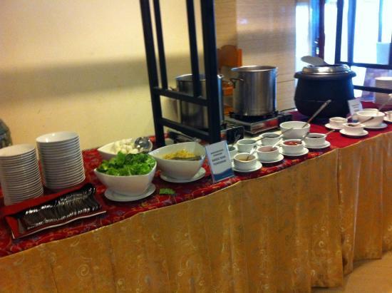 Aston Pontianak Hotel & Convention Center : Fish Meatball n Congee (Porridge)
