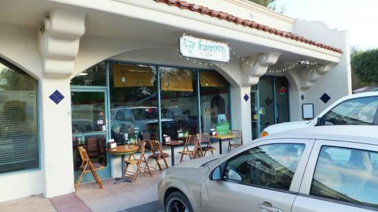 La Fuente Mexican Restaurant: Facade