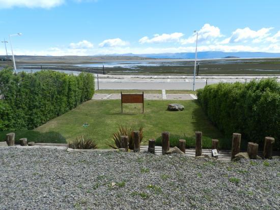 Altos de la Costanera - Aparts: Vista de la Bahia Redonda del Lago Argentino.