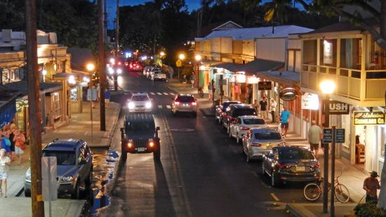 front street in lahaina essay My large lahaina pictures include lahaina maui luaus and free hula shows, front street, lahaina harbor, surfing lessons, lahaina beaches, restaurants, and history and culture.