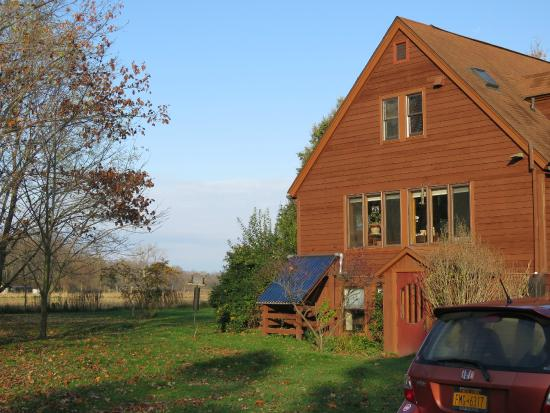 Brookton Hollow Farm Bed and Breakfast: House