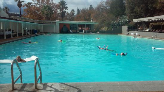 Indian Springs Resort Spa: 100 degrees in the water on a sunny but cool day: heaven!