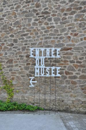 Musée National Adrien Dubouche : Museu Nacional da Porcelana Adrien Dubouche - Detalhe Entrada