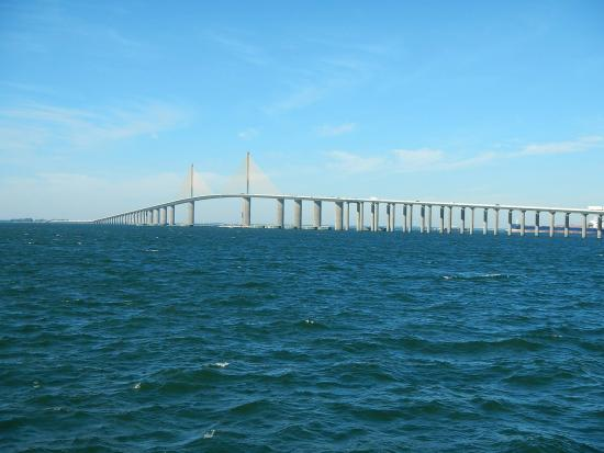 View from the east picture of sunshine skyway bridge for Sunshine skyway fishing pier