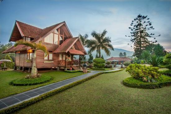 Citra Cikopo Hotel & Resort