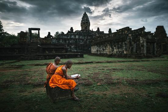 ‪Angkor Travel Photography - Day Tours‬