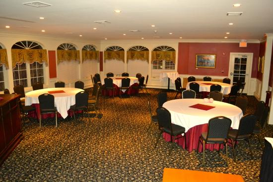 The Publick House Restaurant And Country Inn: Banquet Hall
