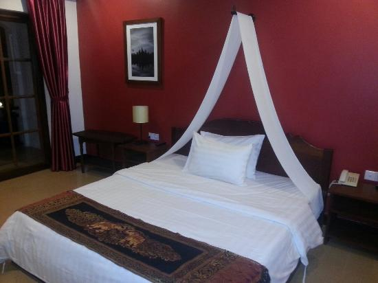 Central Hostel: Large bedroom with balcony