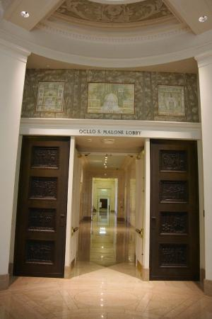Alabama Department of Archives and History: The lobby