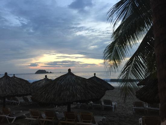 Holiday Inn Resort Ixtapa : Sunset