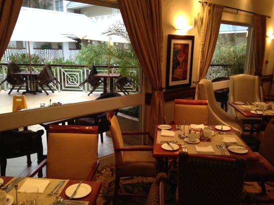 Southern Sun Ridgeway : Nice ambiance in the restaurant