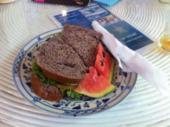 The Starfish Bakery & Cafe: Grilled Chicken Sandwich