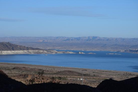 Nevada Way: Early morning view of Lake Mead