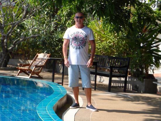 Vientiane Garden Hotel: At the pool