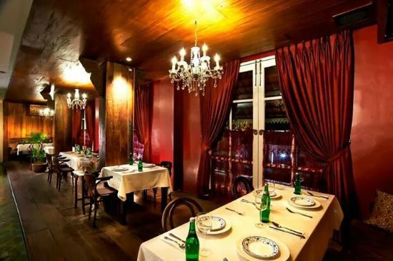 Tempayan Dining Lounge