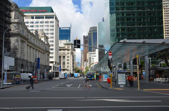 Queen Street: Quay side end of Queen St