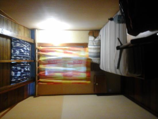 Hostal Hansi: Room 6B
