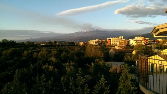 B&B La Stella di Naxos: Etna from our balcony