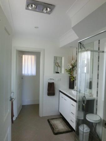 Searenity Holiday Accommodation : Bathroom
