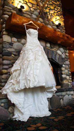 Lizard Creek Lodge: wedding dress
