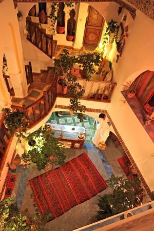Dar Meziana : View into lobby