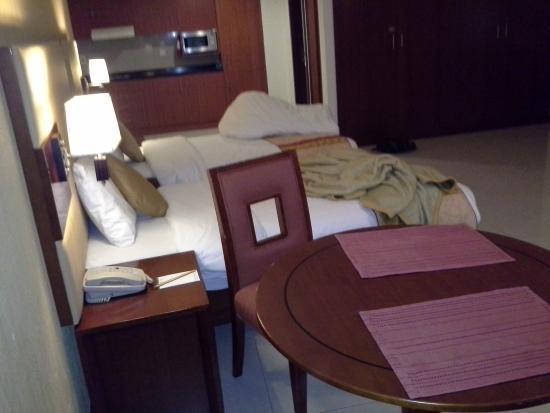 Star Metro Deira Hotel Apartments: room