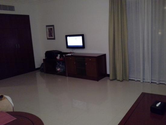 Star Metro Deira Hotel Apartments: living room