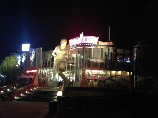 Universal Citywalk Nba Restaurant