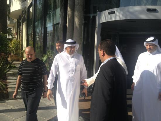 Rive Hotel : S.A.R Prince d'Arabie Saoudite Talal Bin Badr Bin Saoud Bin Abdelaziz à Rive hôtel le 03 et 04/1